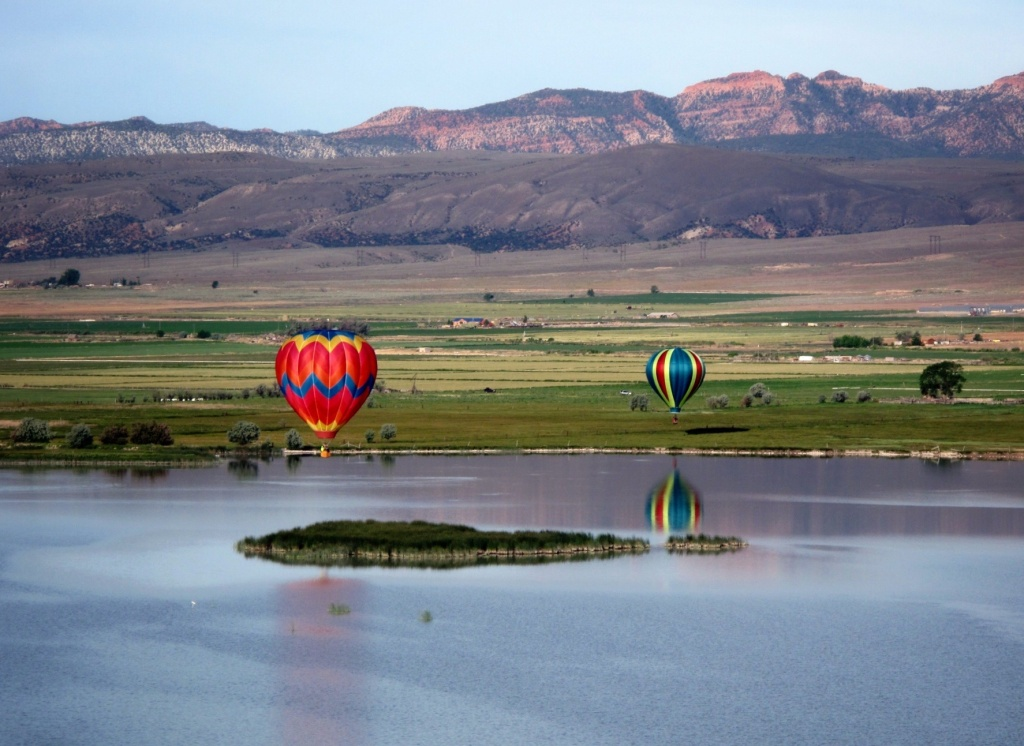Aviation, balloon, lake
