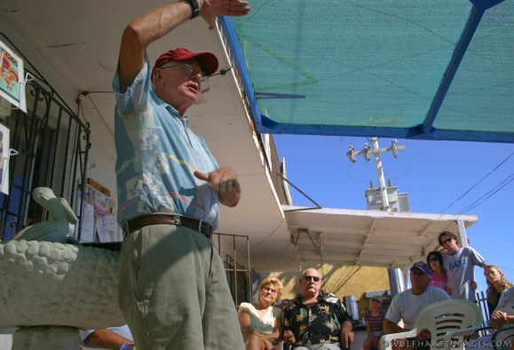 Roy lecturing in San Felipe at his book signing